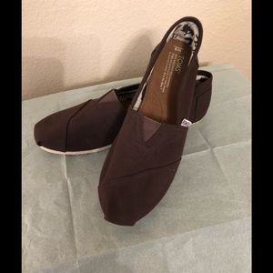 NWOT TOMS Shoes, size 9